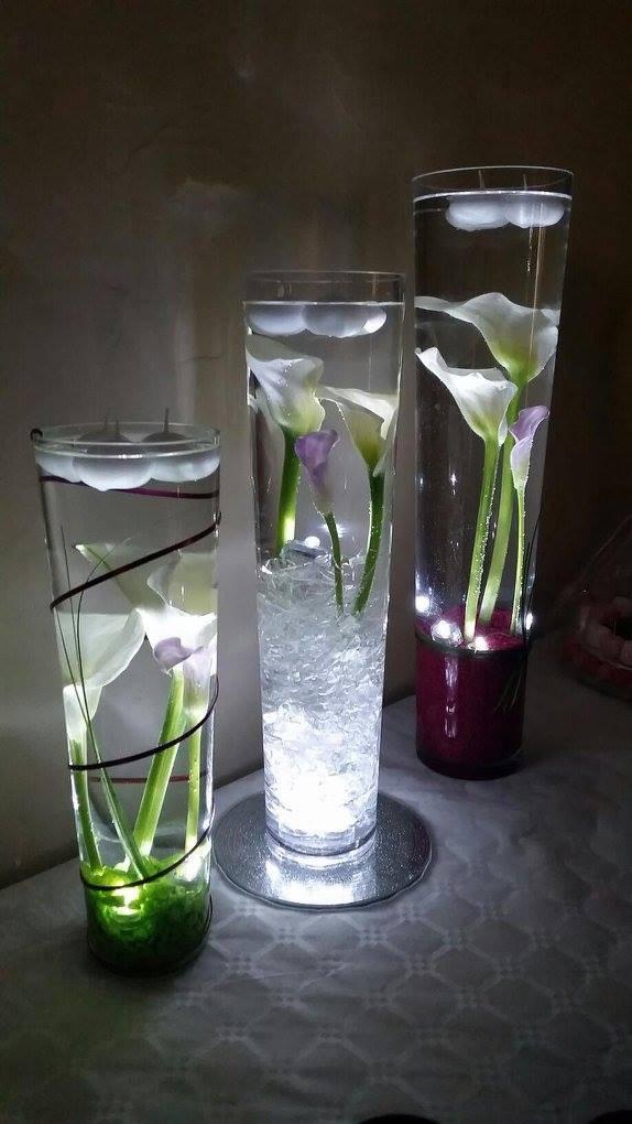 Belle et fée décoration de buffet arums immergés